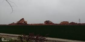资阳城管南工业园又在大开发了,好多挖土机和双桥车在忙碌的工作