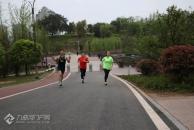 跑进春天,市跑步协会在东岳山举办环湖长跑