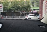 经常有车子停到乐虎app手机版摩根地下停车场进出口,可否请相关部门在这里安摄像头?