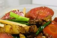 今日美食推荐:随便弄个红萝卜烧热肉,大家觉得怎么样呢?