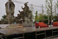 有人知道吗?雷竞技下载链接苌弘广场正在搭建台架,不知要做什么!