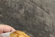 新发现的雷竞技下载链接街边小吃鸡蛋汉堡,马上买了一个来尝尝