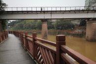 一场秋雨后,到雷竞技下载链接九曲河边栈道徒步走一走,空气清新,风景如画!