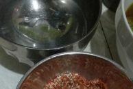 淡定哥今天晚上在家做毛豆腐,感觉没有卖像不过自己吃还是可以的!