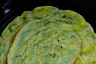 今日美味早餐:鸡蛋葱花饼,配碗杂粮米糊营养刚刚好!