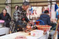 我们问遍了西门市场商家,他们说了今年18新利官方下载灌香肠的那些事!