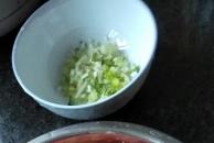 今日美食分享:三鲜饺子加鲜美土鸡炖板栗汤,清香细腻又健康!