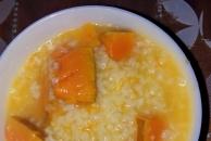 来吃早喽:南瓜粥+爱心老婆饼+煎蛋,营养满满的早餐,你吃了吗?