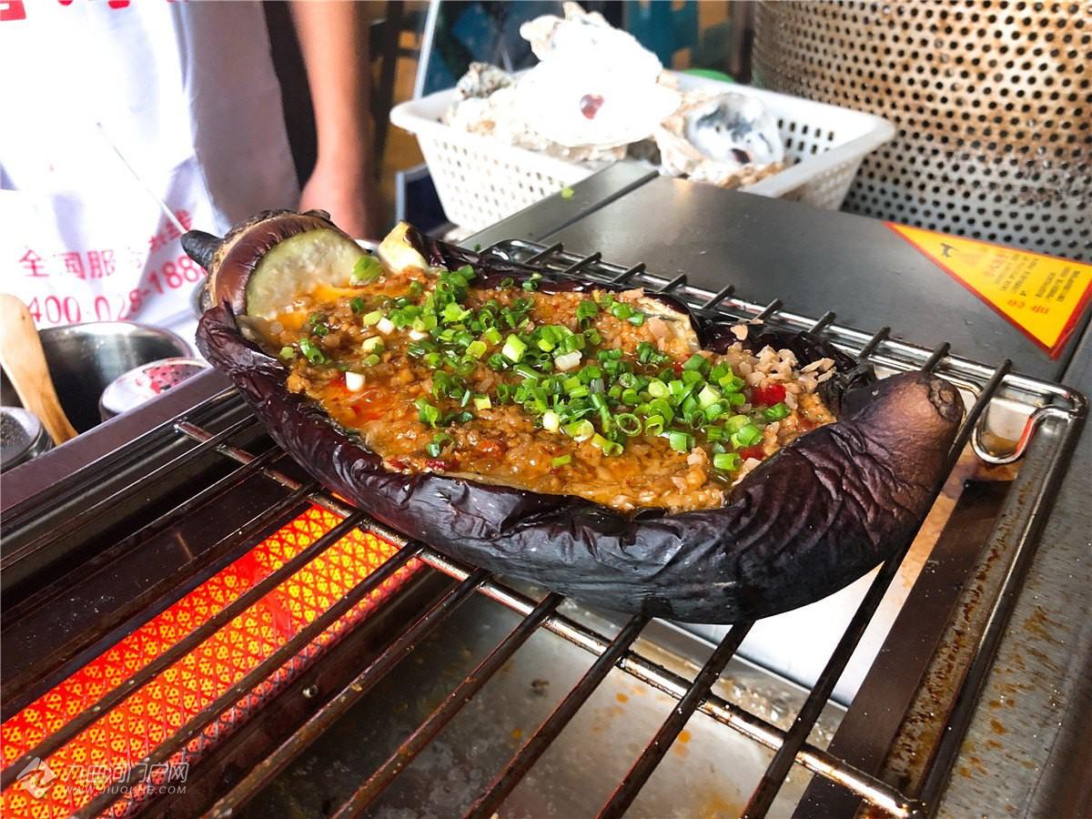 太疯狂!我在资阳从来没用过这么大的锅吃鱼!国庆假还能到店免费吃!