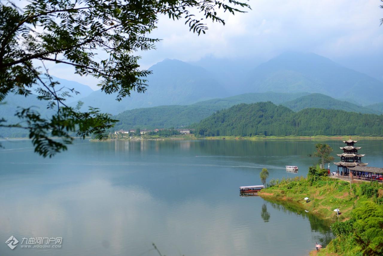 明丽雅女湖.JPG