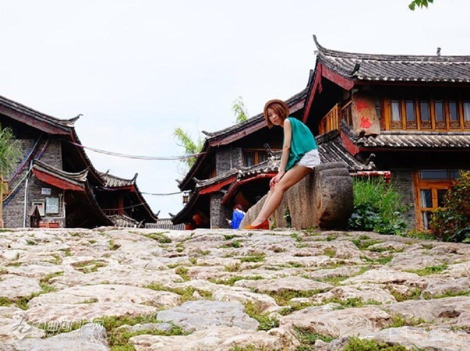 青龙桥建于明朝万历年间,距今已有 400多年历史,长25米、宽4.5米、高4米,全部由石块.jpeg