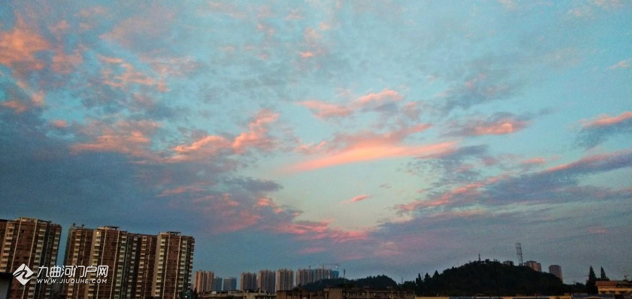 资阳的天空有多美!在自家屋顶就能享受旅游的感觉
