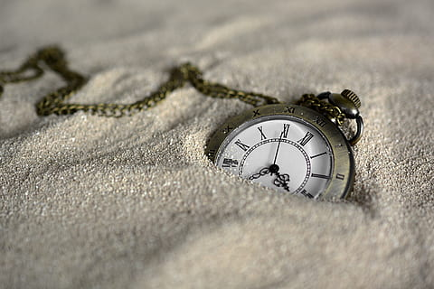 pocket-watch-time-of-sand-time-thumbnail.jpg