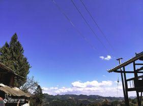蓝天白云,虽然有点远,但是景色还是不错的!