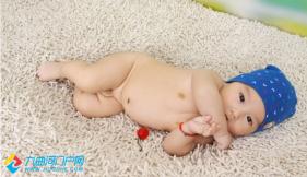 #宝宝成长日志秀#露个脸,卖个萌。